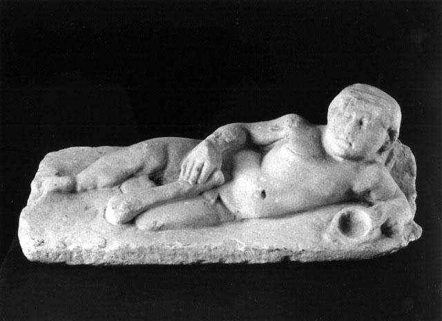 Roman Marble Sarcophagus Lid - 3rd century A.D. - A Roman Marble Sarcophagus Lid with the Young Hercules - Width 62 cm