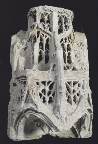 Southern Netherlands - 14th century - A Gothic Limestone Canopy - 122 x 82 x 58.5 cm.